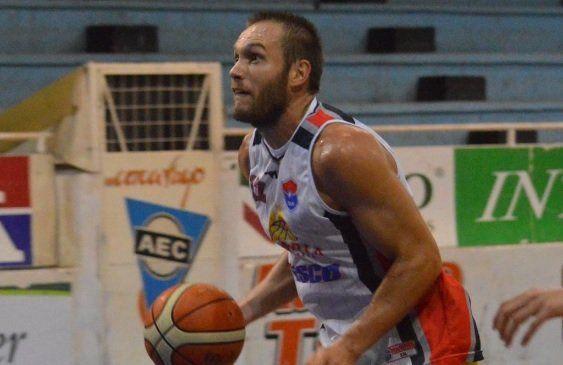 El Polaco Almeida fue el goleador del equipo de la capital entrerriana con 20 puntos.