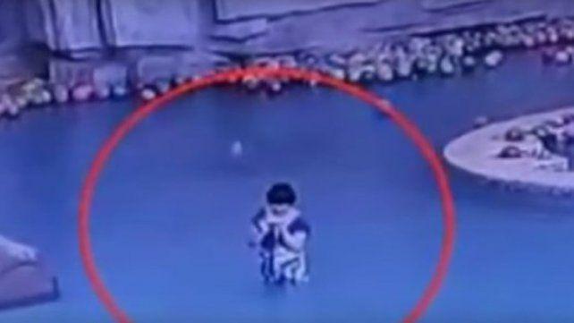 Un niño se ahogó mientras su madre hablaba por celular
