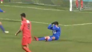 Un defensor hizo un golazo y ni él lo pudo creer