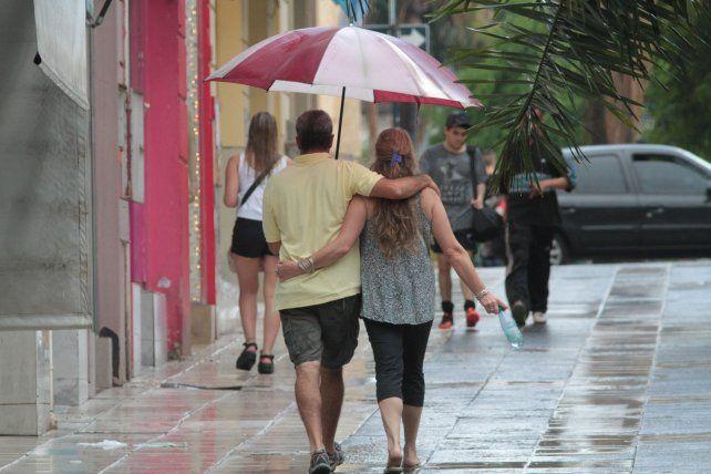 Pronostican un domingo con lluvias de hasta 90 milímetros en Paraná