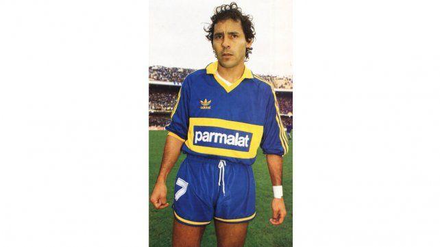 Falleció Roberto Cabañas, quien se destacó en Boca durante los 90