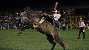 Se suspendió por la lluvia el Festival de Jineteada y Folclore de Diamante