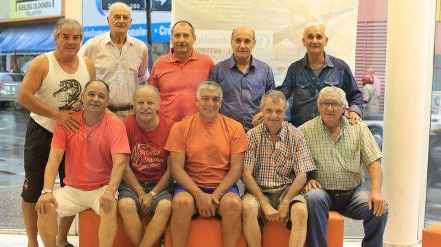 Cumplen 50 años ligados al fútbol de Veteranos en Paraná.