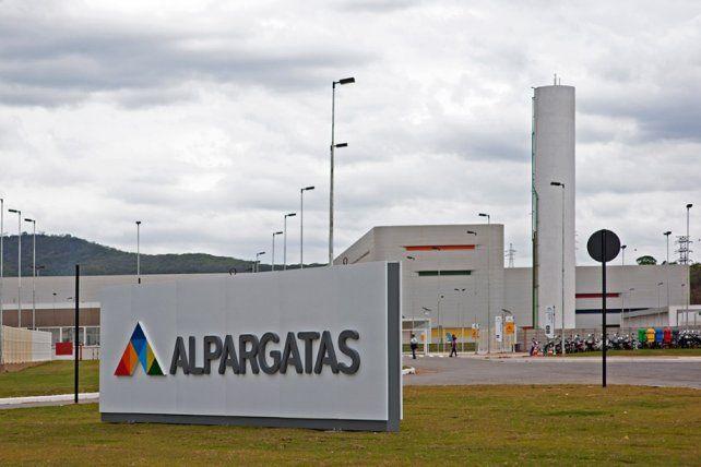 Cierra la fábrica Alpargatas en San Luis
