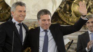 Tras la jura, Dujovne prometió bajar el gasto y 17% de inflación
