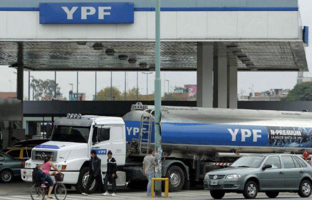 Tras el anuncio de Mauricio Macri, aumenta 8% la nafta y el gasoil en todo el país