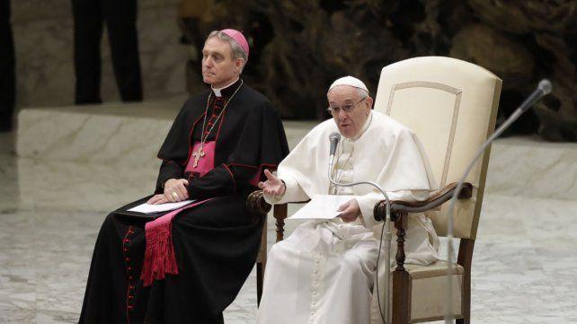 Francisco criticó a los delincuentes que quieren cobrar las audiencias generales