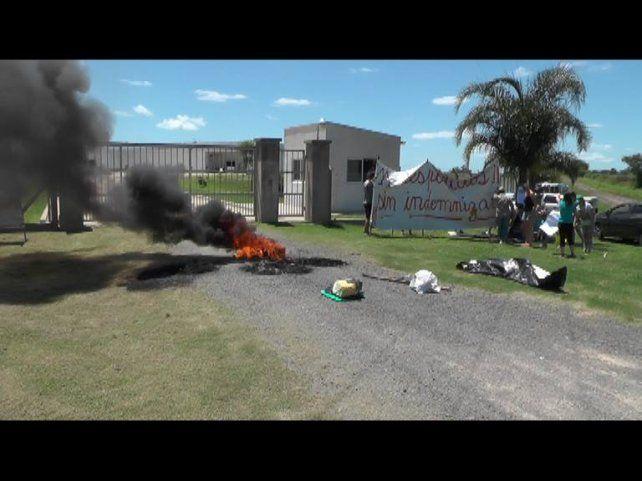 Cerrito: despedidos protestan en reclamo del pago de las indemnizaciones