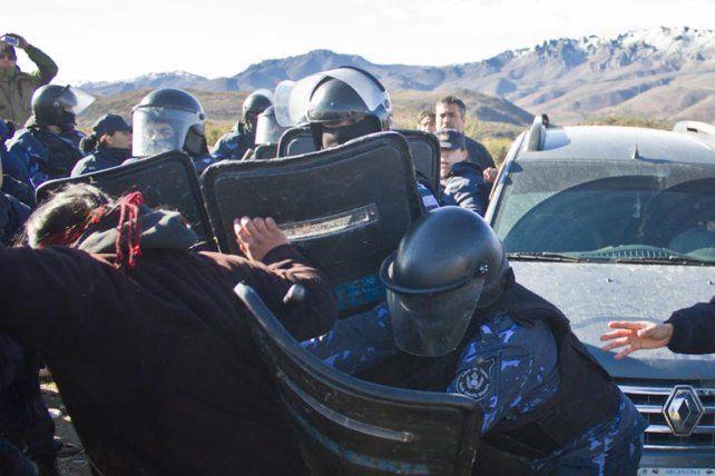 Sangrienta represión a la comunidad mapuche en Chubut