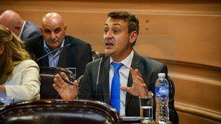 Verborrágico. El presidente de la Comisión Investigadora, Diego Lara, desarrolló durante más de dos horas el dictamen de mayoría.