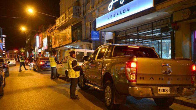 Fines de semana. Prometen más inspectores y policías en calles.