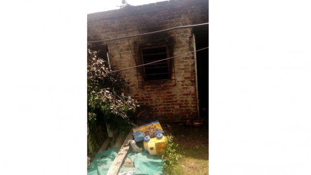 Por un cortocircuito se les incendió la vivienda y perdieron todo