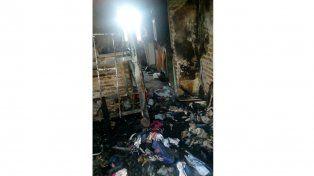 Piden donaciones para la familia que perdió todo tras el incendio de su casa