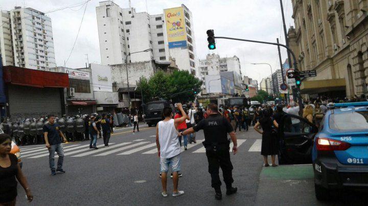 Sigue la tensión en el barrio de Once. Foto La Izquierda Diario.