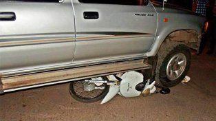 Una camioneta arrolló una moto y dos jóvenes fueron hospitalizadas