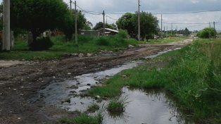 Secuelas. Aun sin lluvia, a los vecinos de Hernández y Quiroz, y de otras calles, les costó salir.