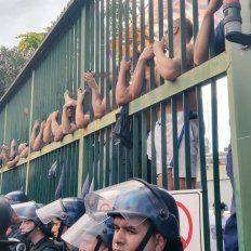 Denuncian 300 despidos y represión en Clarín
