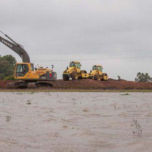 El año pasado las máquinas trabajando en el terraplén. Foto Archivo Gentileza Municipalidad de Gualeguay.
