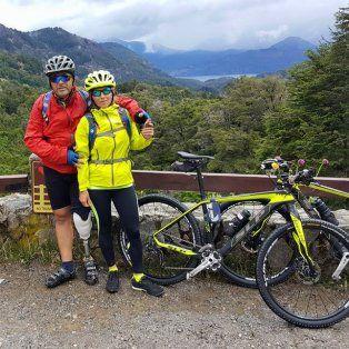 Hugo y Gabriela. Los ramirenses cumplieron su meta de cruzar los Andes pedaleando.