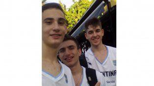 Varisco, Pividori y Scacchi, ayer en Buenos Aires antes del último amistoso. Hoy parten a España.