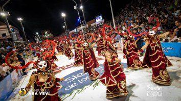 gualeguaychu: quieren impedir la participacion de teatro por la identidad en el carnaval