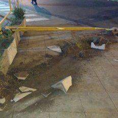 Automóvil sin ocupantes chocó en pleno centro de Paraná