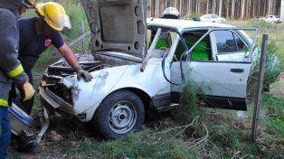 Despistó y quedó inconsciente dentro del auto