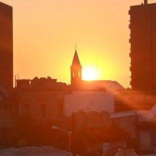 El sol cayó en Paraná y según el SMN los próximos días estará nublado. Foto UNO Juan Manuel Kunzi.