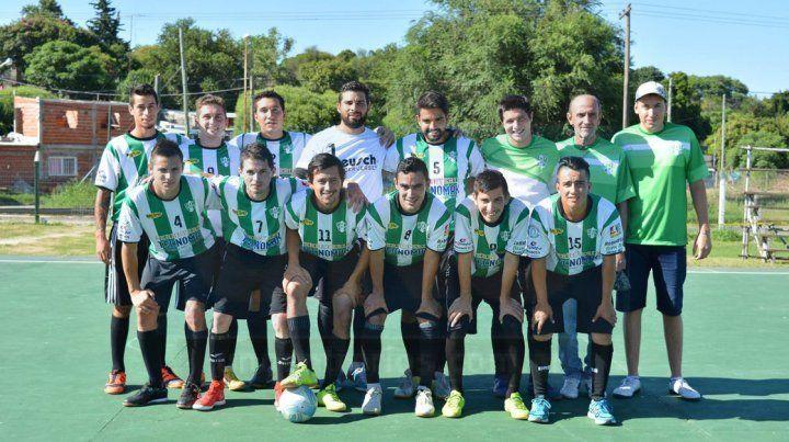 EL ANFITRIÓN. El plantel completo de Ministerio Futsal que organizó y formó parte de la competencia.