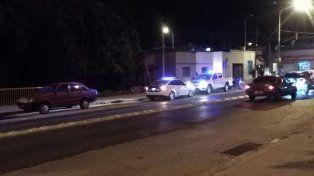 Tiros y corridas en calle Laurencena: una mujer herida y un bebé golpeado