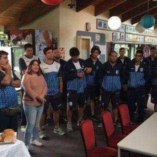 Los jugadores luego de un largo viaje arribaron a NZ para formar parte del Challenge Cup.