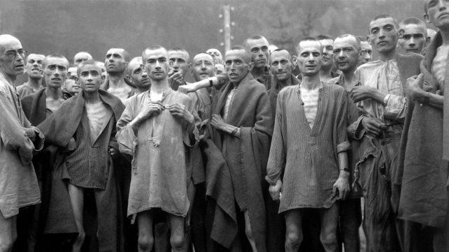 Facebook pidió perdón por censurar una foto que mostraba a víctimas del Holocausto sin ropa