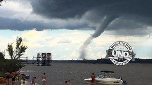 Impresionantes imágenes de la tormenta sobre el río Uruguay