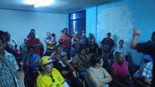 Acuerdo. En la reunión hubo debate e intercambio de pareceres entre los tarjeteros y la comuna.