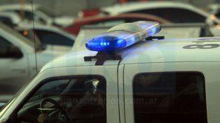 Había conectado una manguera al caño de escape de su vehículo y la Policía lo rescató