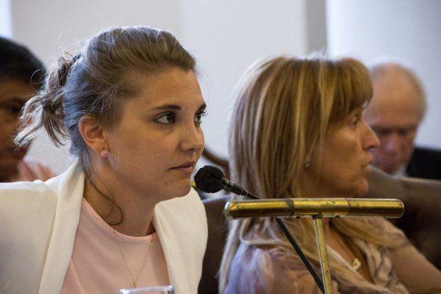 Cora dijo que González se burla de la militancia