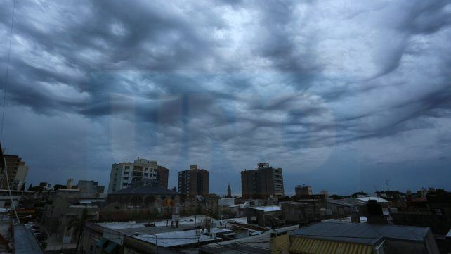 Jornada con lluvias y tormentas y una máxima de 30 grados