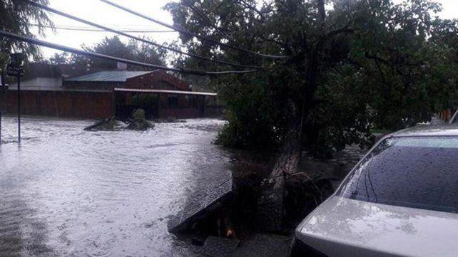 Un trágico temporal dejó tres muertos en Tucumán.