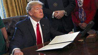 Donald Trump atacó el bloqueo a su veto migratorio: Es ridículo y será revocado