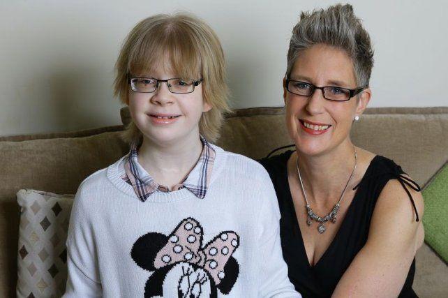 Esta mamá tiene sólo seis meses de vida y los dedica a buscar familia para su hija discapacitada