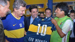Mauricio Macri invitó a Evo Morales a ver Boca-River para aliviar las tensiones