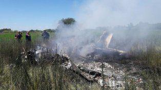 Una familia murió al caer una avioneta en Marcos Paz
