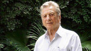 Denuncian penalmente a Mauricio Macri por el acuerdo del Correo que beneficia a su padre