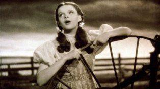 Judy Garland fue abusada durante el rodaje de El mago de Oz