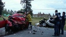 murieron cuatro argentinos tras ser chocados por ladrones que huian de la policia