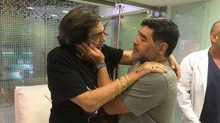 Cacho Castaña y Diego Maradona se encontraron en una clínica