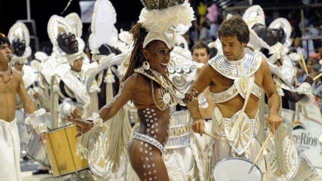 El ritmo del Carnaval de Gualeguaychú se extiende hasta marzo
