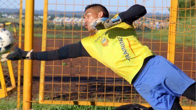 Cara conocida. El paranaense Ignacio Arce enfrentó a Patronato con Unión y Atlético Paraná. Hoy lo hará con Crucero.