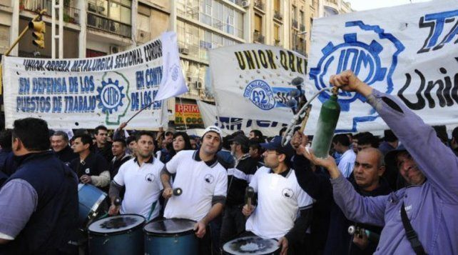 La UOM marchó al Ministerio de Trabajo contra los despidos