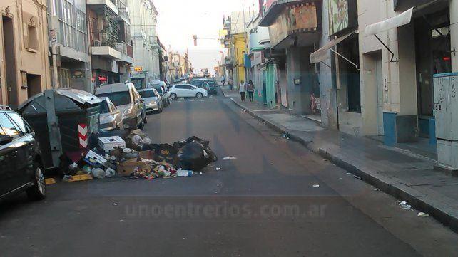 Sabbioni: Se pondrán refuerzos para quedar al día y quitar toda la basura que hay en la ciudad
